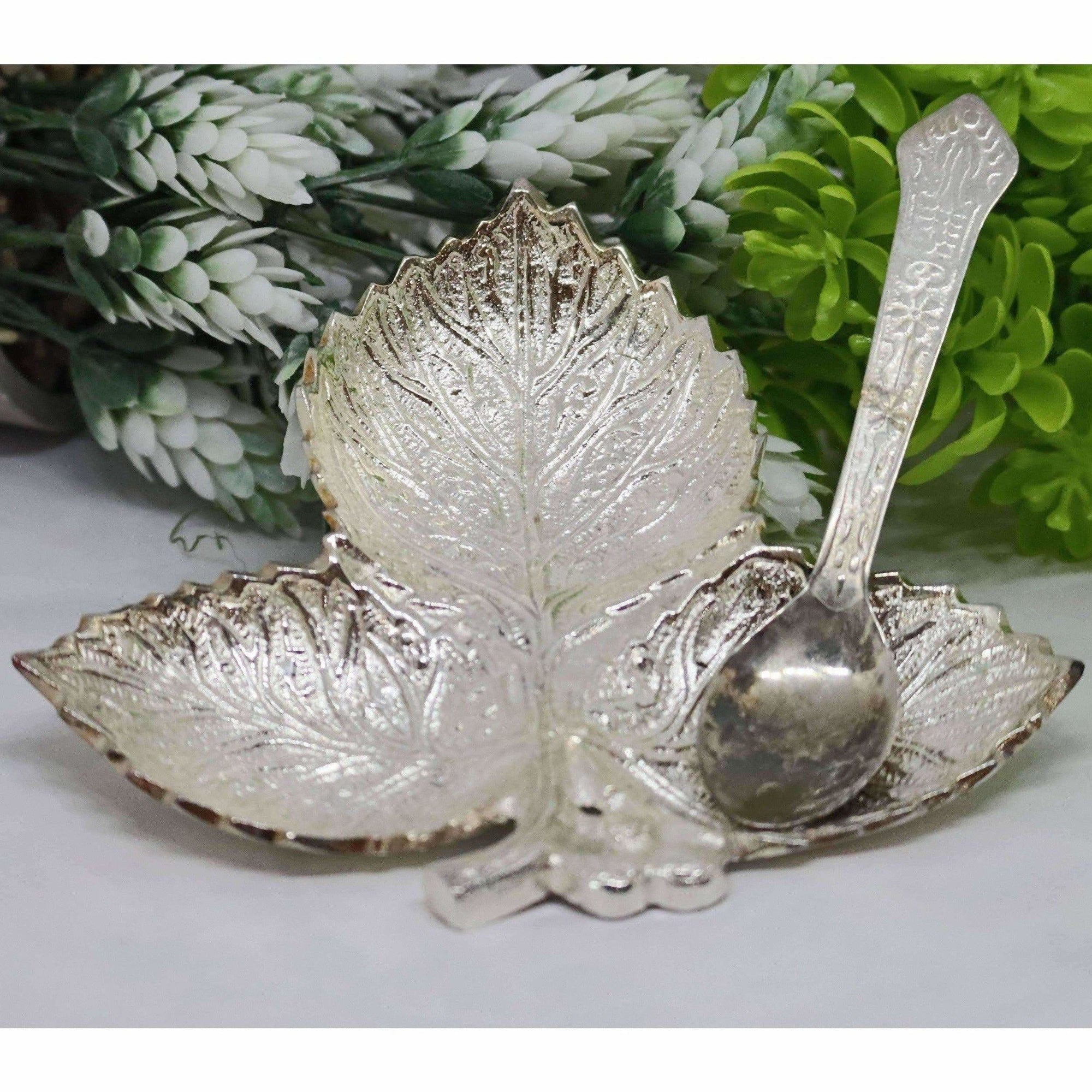 Chahat Premium Living Brass Grapes Leaf Platter