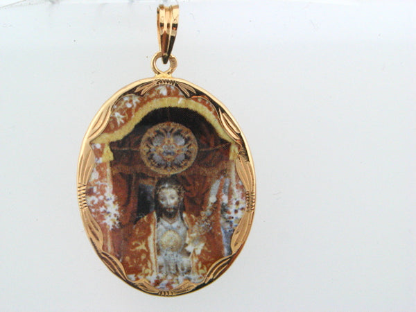 "ZMD26SC - 19.2k Portug.Gold Enamel ""Santo Cristo"" Medal - 27x21mm - Columbia Jewelers, Fall River, Massachusetts, USA"