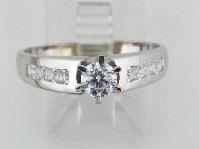 19.2kt Portuguese Gold Ladies Engagement Ring with CZs