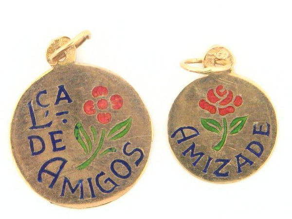 19.2k Portuguese Gold Solid Flat Traditional Words Medal - (Friends Theme)