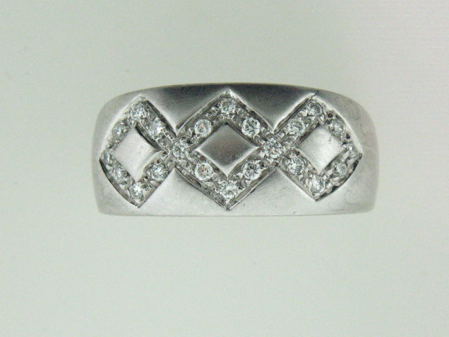 520 - 19.2kt Portuguese White Gold Genuine Diamonds Ring - Columbia Jewelers, Fall River, Massachusetts, USA