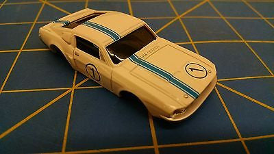 White/Blue Ford Mustang American Line Body HO Mid America AML B451-W