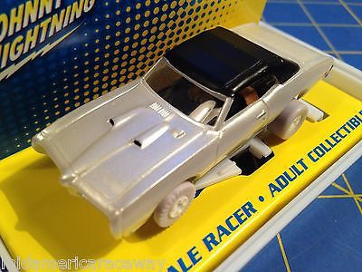 Johnny Lightning Pontiac GTO  White Lightning IWheels from MidAmerica