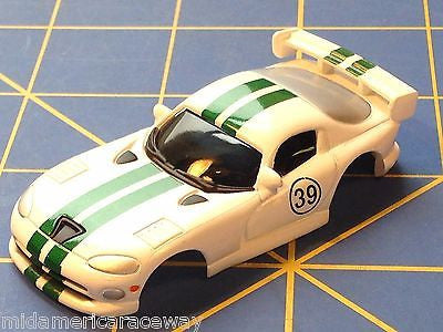 White w/ Green Stripes Dodge Viper GTS American Line Body HO AML B450-W