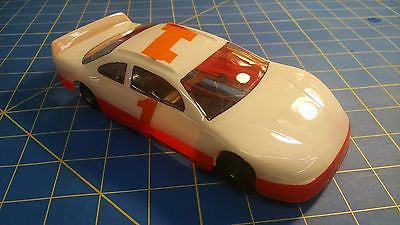 Trinity 4 1/2 Nascar 16D 1 White RTR 1/24 Mid-America Naperville