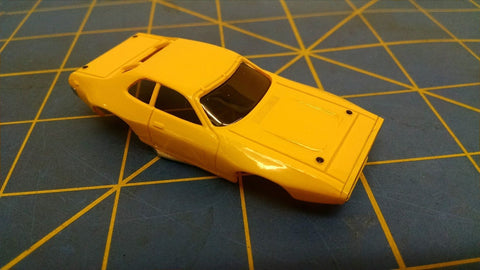 Yellow ACME Stock Car American Line Body HO Mid America AML B461-Y