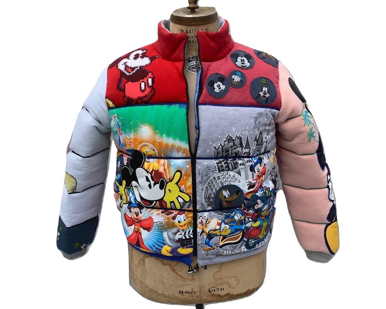 Mickey Mouse Fan Jacket Medium