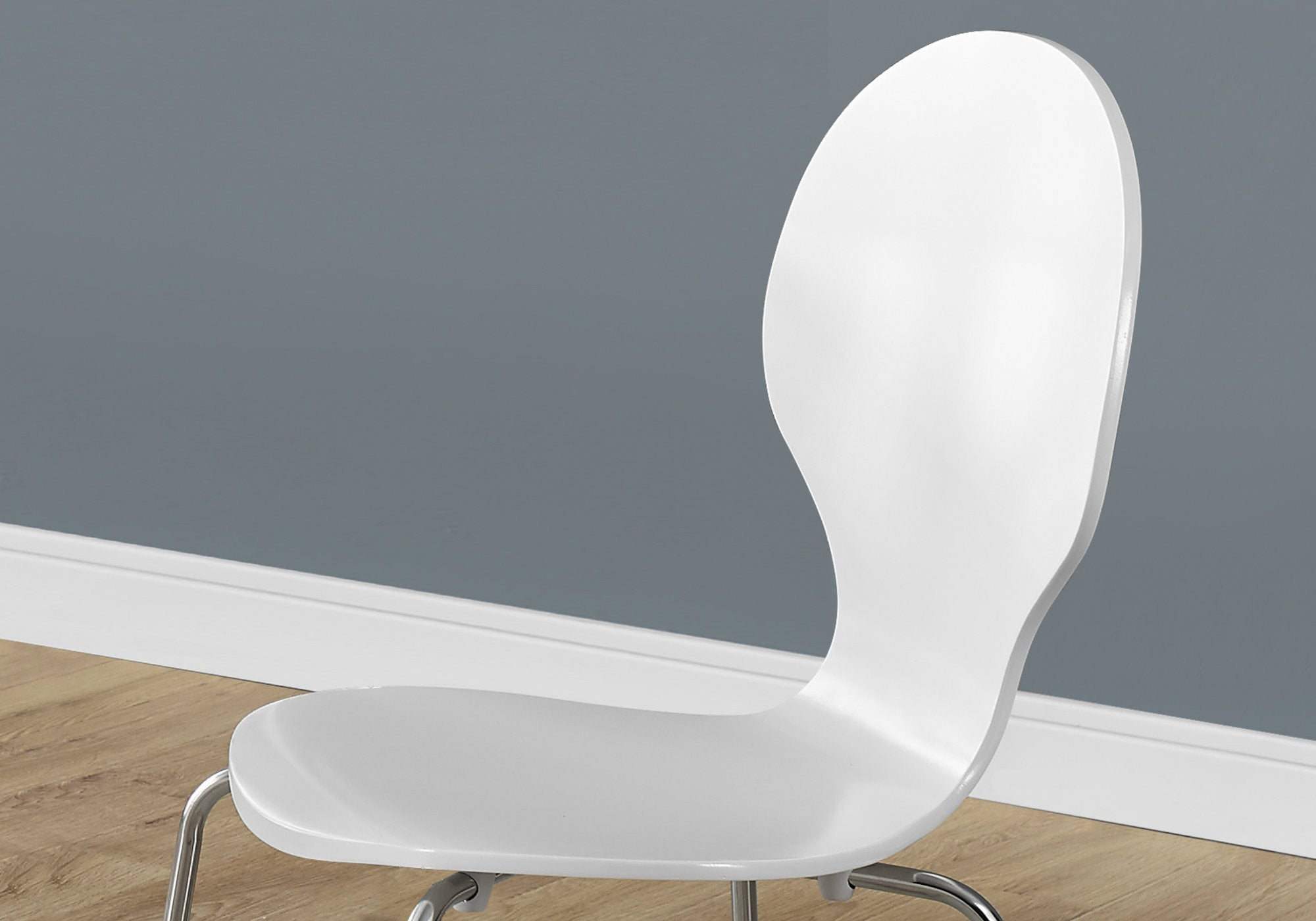 "63.75"" x 53.25"" x 102"" White Metal 4 Dining Chairs"