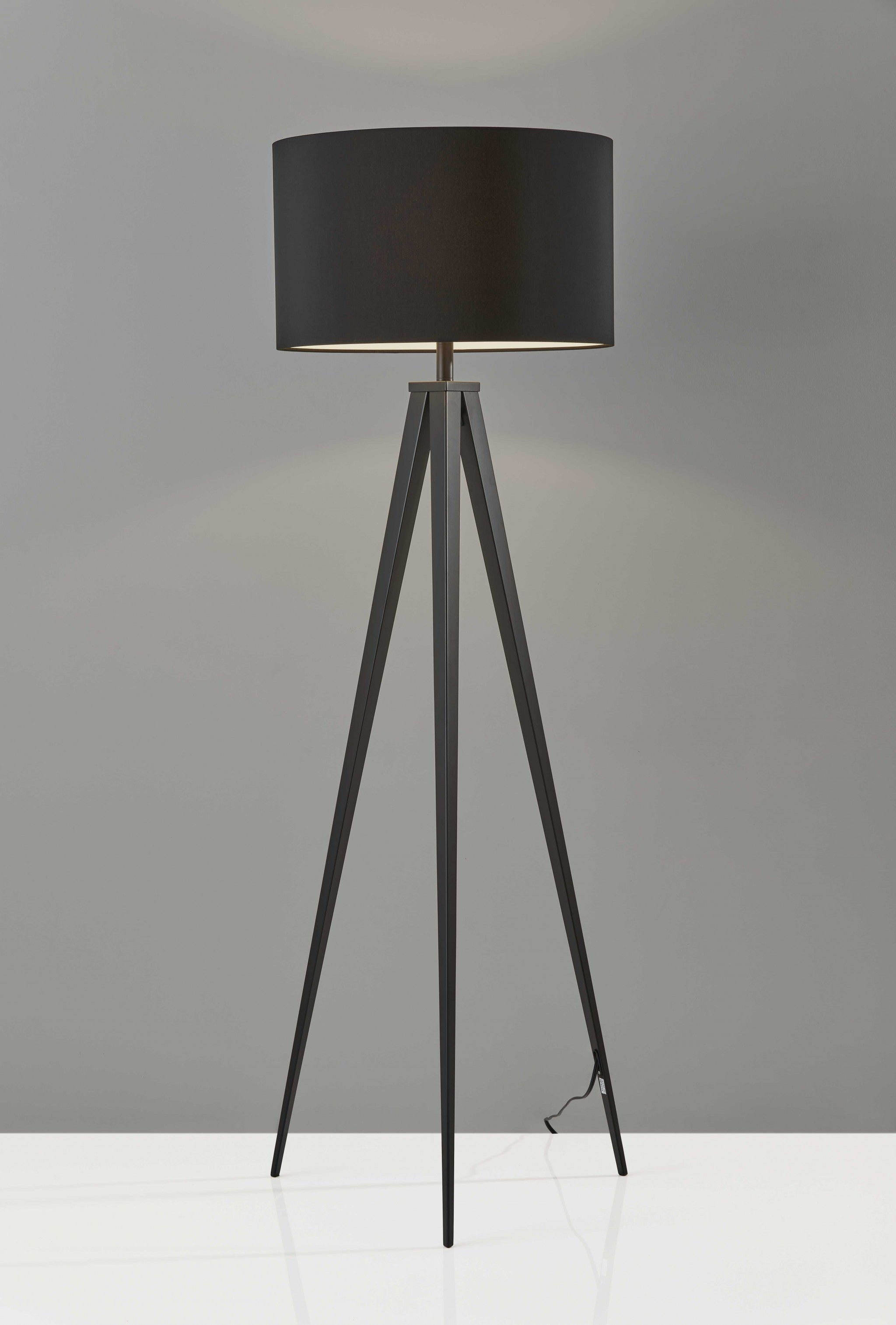 "21"" X 21"" X 61.5"" Black Metal Floor Lamp"