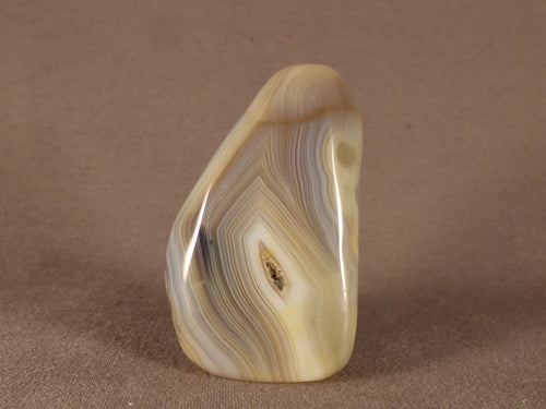 Small Madagascan Agate Standing Piece - 53mm, 65g