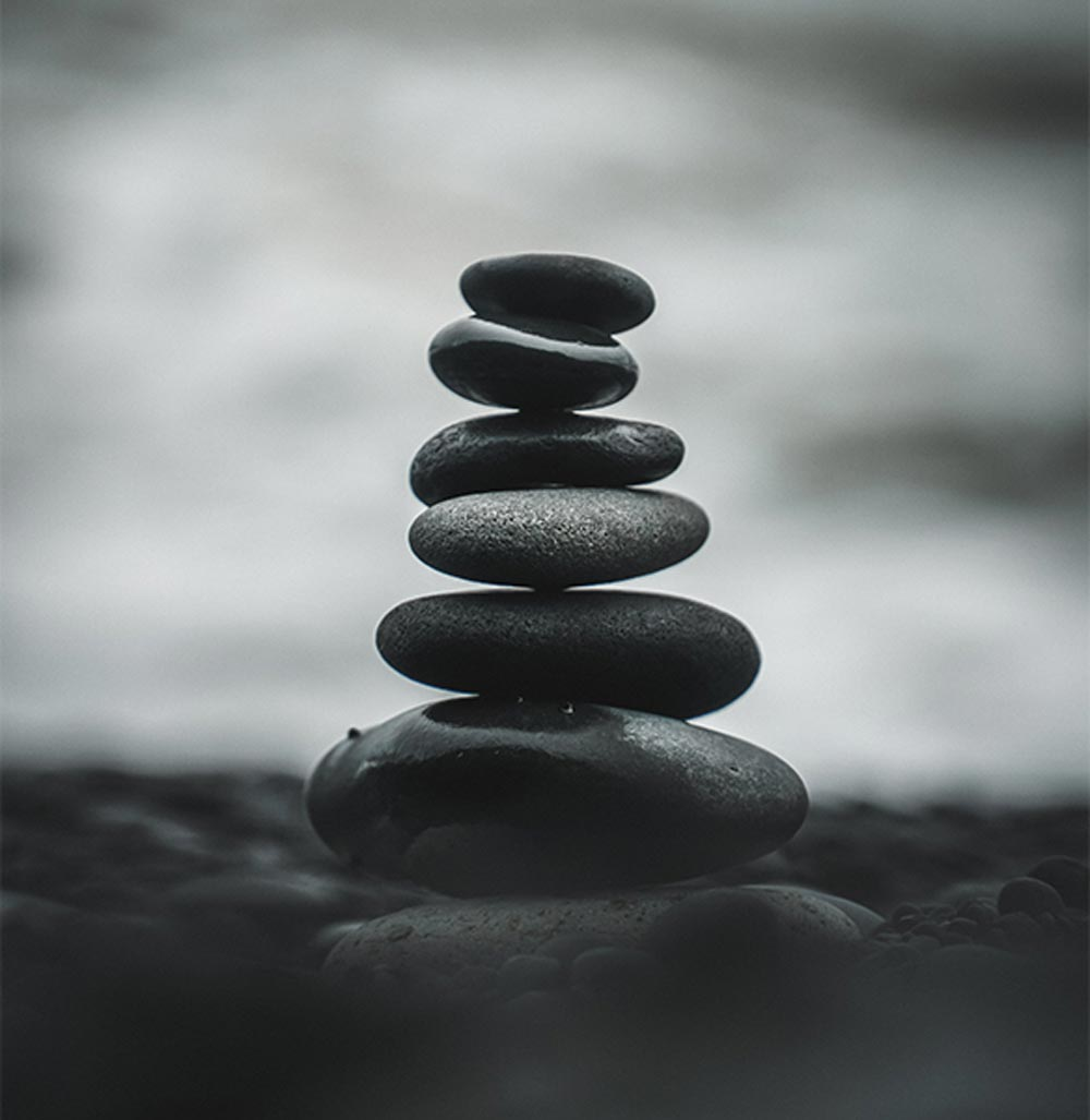 Stones balancing in a stack