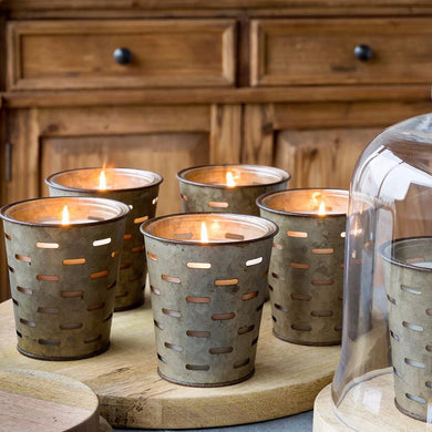 Wild Currant and Thyme Candle