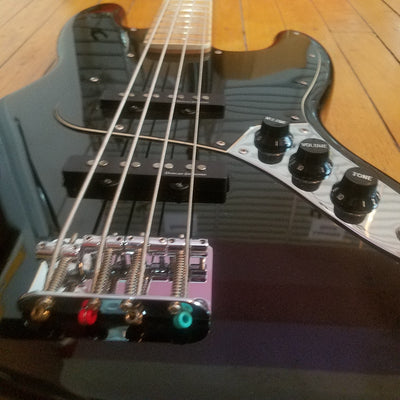Squier Vintage Modified Jazz Bass 2011