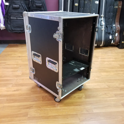 Roadie Rolling Rack Case 24U