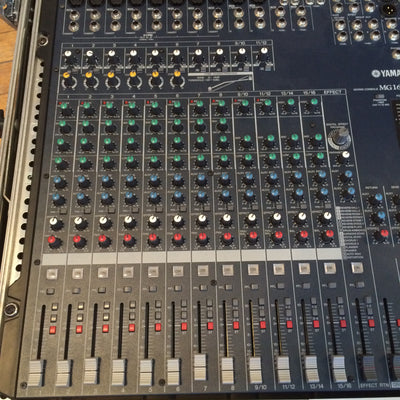 Yamaha MG166CX 16-Channel Mixer With Compression and Effects with Rack
