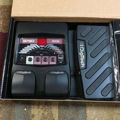 Digitech BP90 Bass Multieffects w. PS