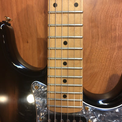 Squier Pro Tone Series Fat Strat with Case