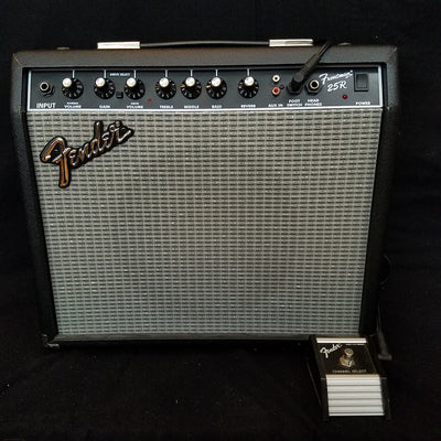 Fender Frontman 25R with footswitch
