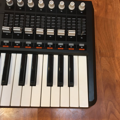 ** Akai MPK49 Performance Controller with MPC Drum Pads