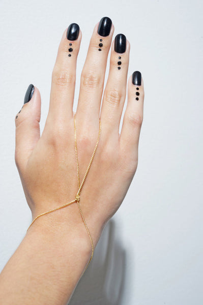 Twisted Chain Hand Bracelet