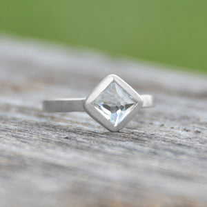 925 Sterling Silver Brushed Freeform Faceted White Topaz Stackable Ring