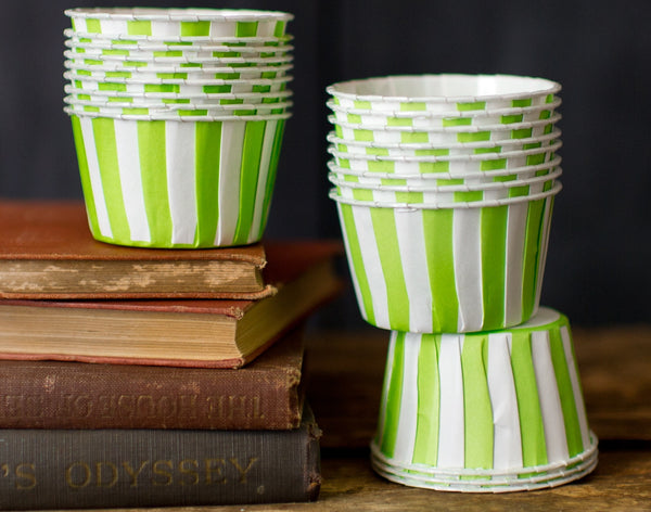 12 striped nut cups