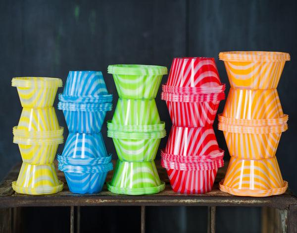 12 striped plastic ice cream cups