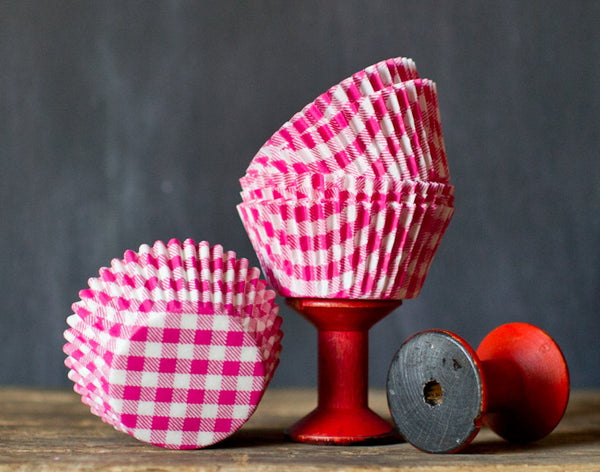 hot pink and white gingham paper cupcake liners for Valentines Day
