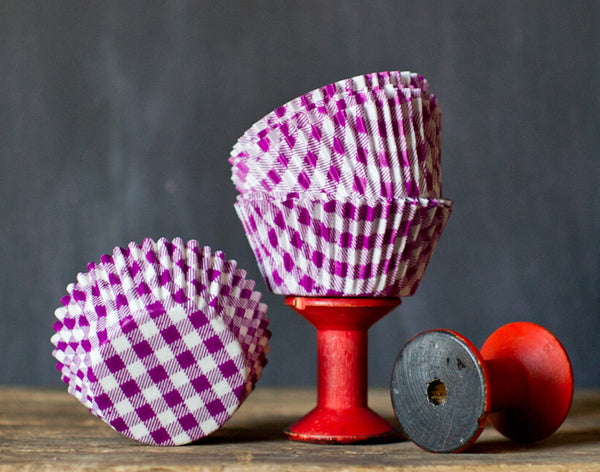 purple and white gingham paper cupcake liners