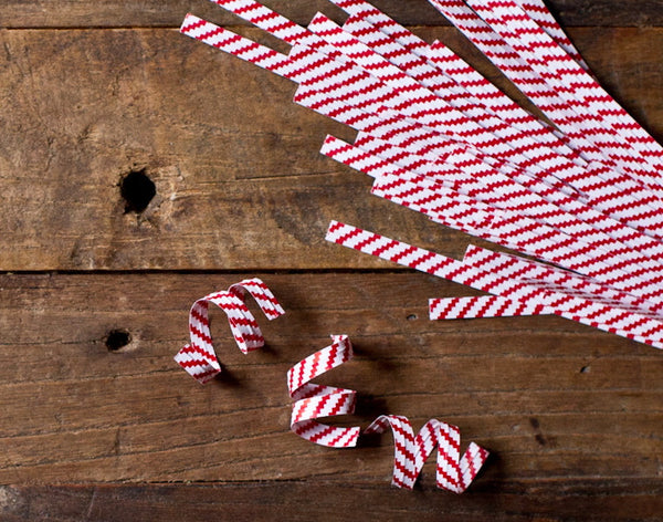 100 red and white striped twist ties