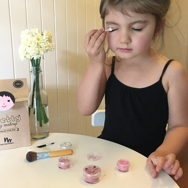 Kids Makeup Sets Every Mother Should Know About