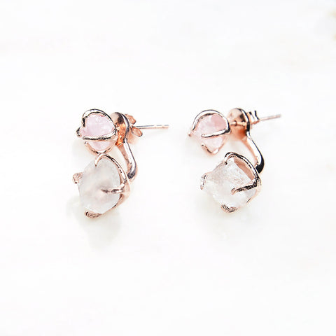 Rose quartz earrings. Rose quartz rose gold earrings. Rose gold drop earrings. Quartz earrings. Raw crystal earrings. Bridal earrings. Rose gold bridal jewelry. Wedding jewelry. Wedding earrings.