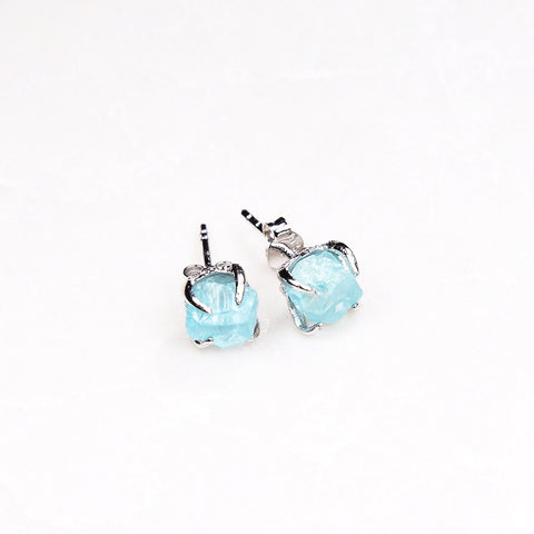 Aquamarine Earrings. Silver aquamarine earrings. Silver crystal earrings. Blue crystal earrings. Raw aquamarine earrings. Bridal Jewelry. Silver Wedding Jewelry.