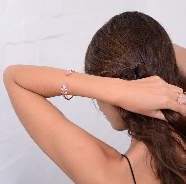 Amethyst cuff. Amethyst bracelet. Raw amethyst cuff. Raw amethyst bracelet. Amethyst rose gold cuff. Amethyst gold cuff. Amethyst rose gold bracelet. Bridal bohemian jewellery. Boho bride. Elegant. Rose gold cuff. Rose gold bracelet. February birthstone jewellery. February jewelry. Raw gemstone jewelry.