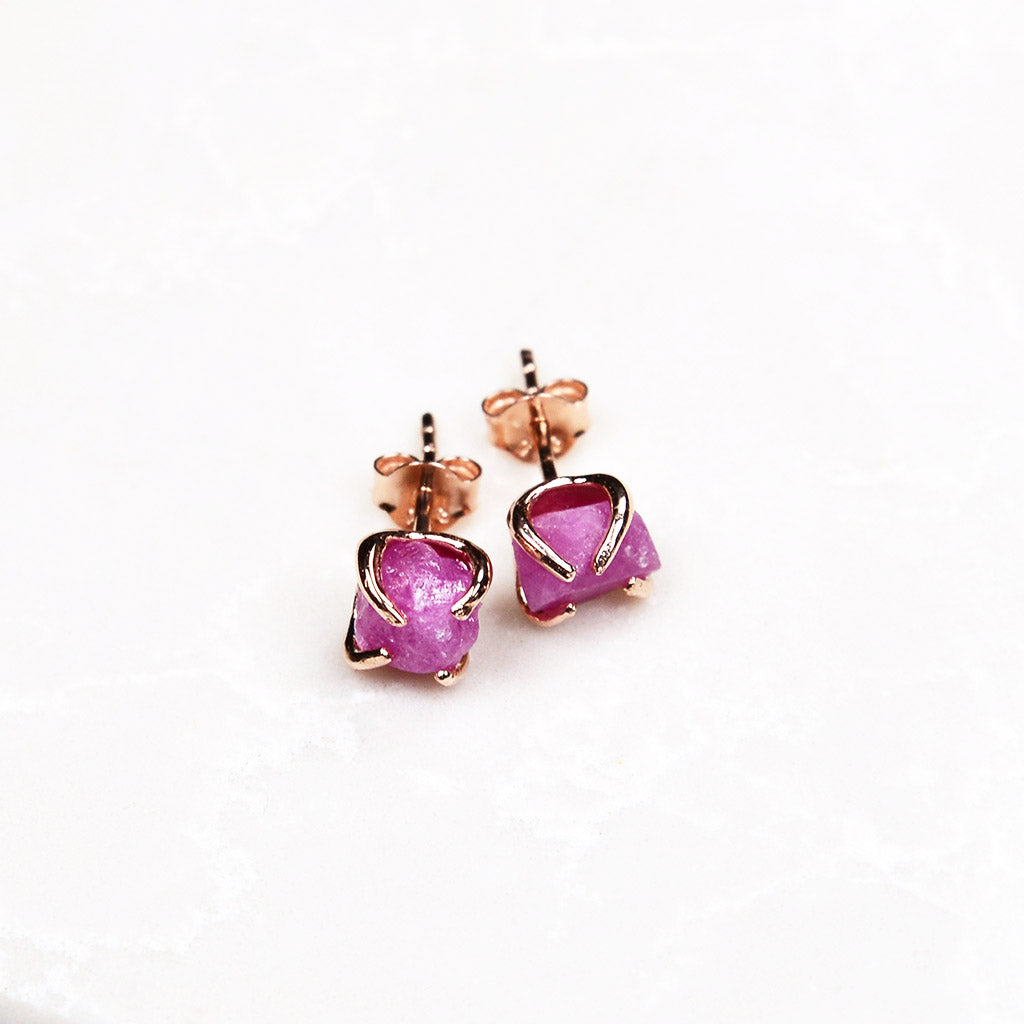 Raw ruby studs. Ruby studs. Raw ruby earrings. Ruby gold earrings. Ruby rose gold earrings. Ruby gold studs. Raw ruby jewelry. Handmade. July birthstone. July birthstone jewelry. Ruby earrings. 40th anniversary gift.