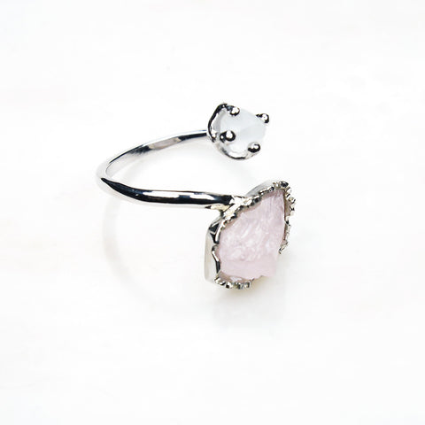 Rose quartz ring. Silver rose quartz ring. Elegant rose quartz ring. Raw rose quartz ring. Adjustable rose quartz ring. Handmade gemstone jewelry. Dainty. Sterling silver rose quartz ring. Gemstone jewellery australia.