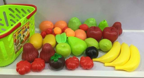 Shopping Basket with Fruit and Vegetables ( shopping basket with fruit and vegetables )