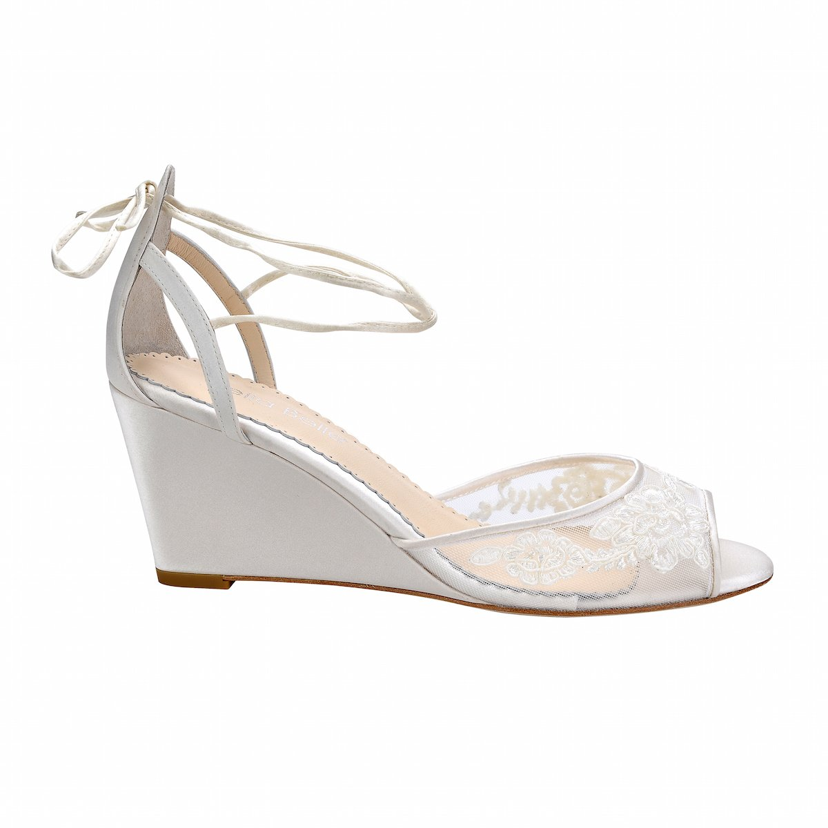 Pamela - Ivory Lace Wedge