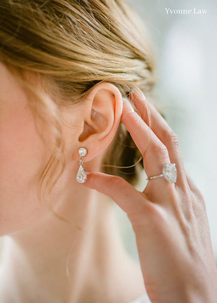 Alice - Swarovski Tear Drop Bridal Earring