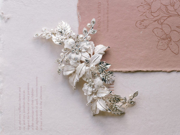 Hallie - Leave Inspired Crystal & Pearl Clip
