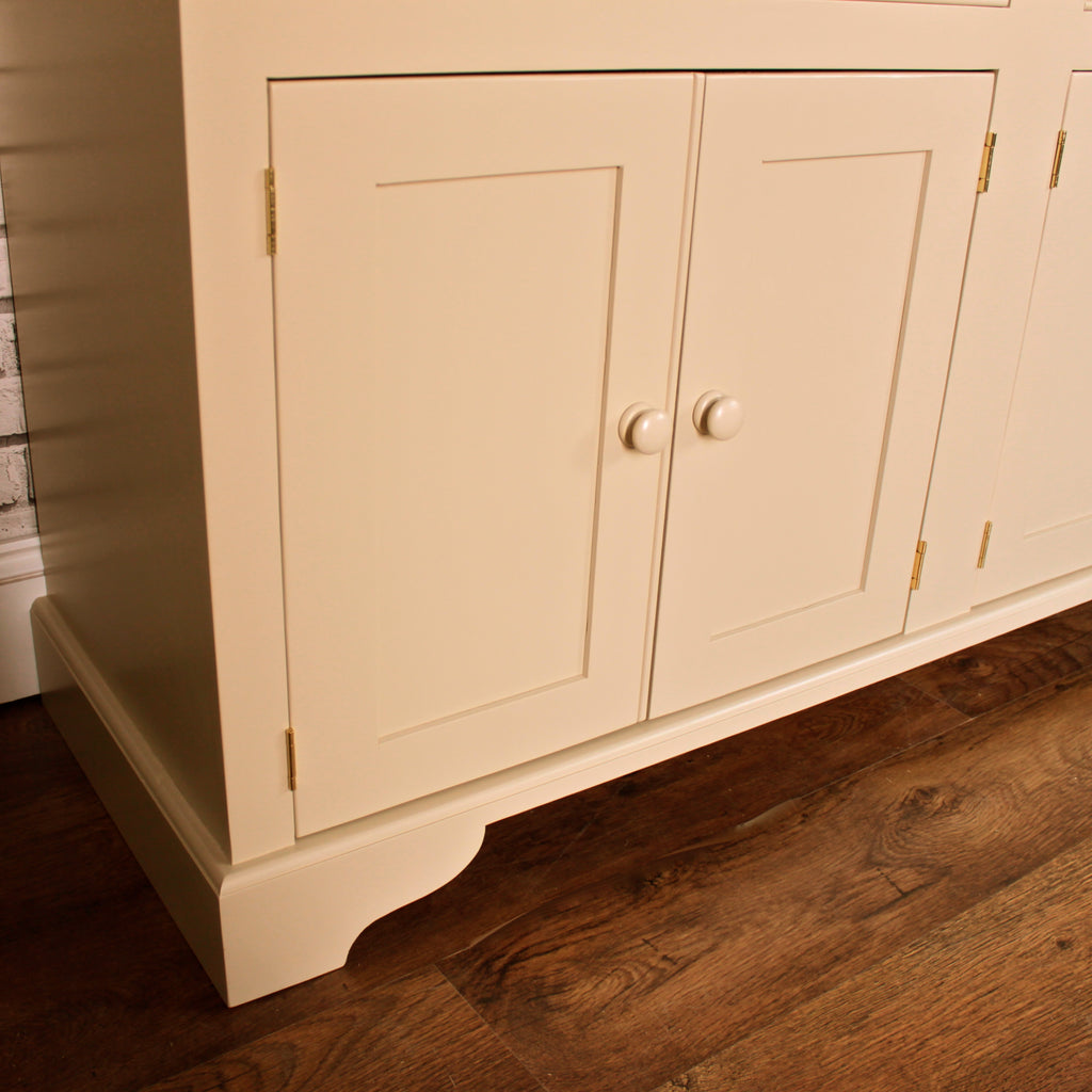 The 5' Marlow Dresser with Spice Drawers