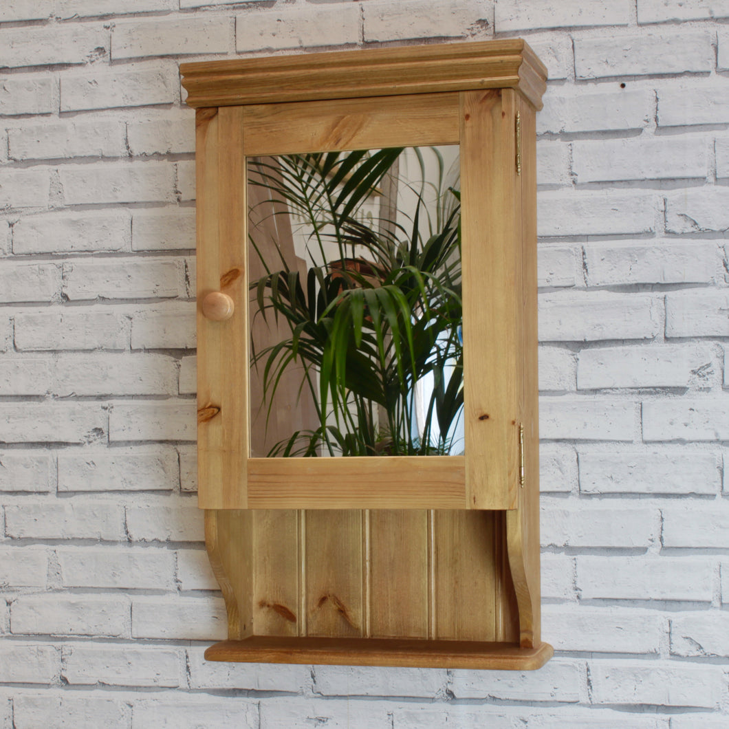 GS Bathroom Cabinet in Antique Pine