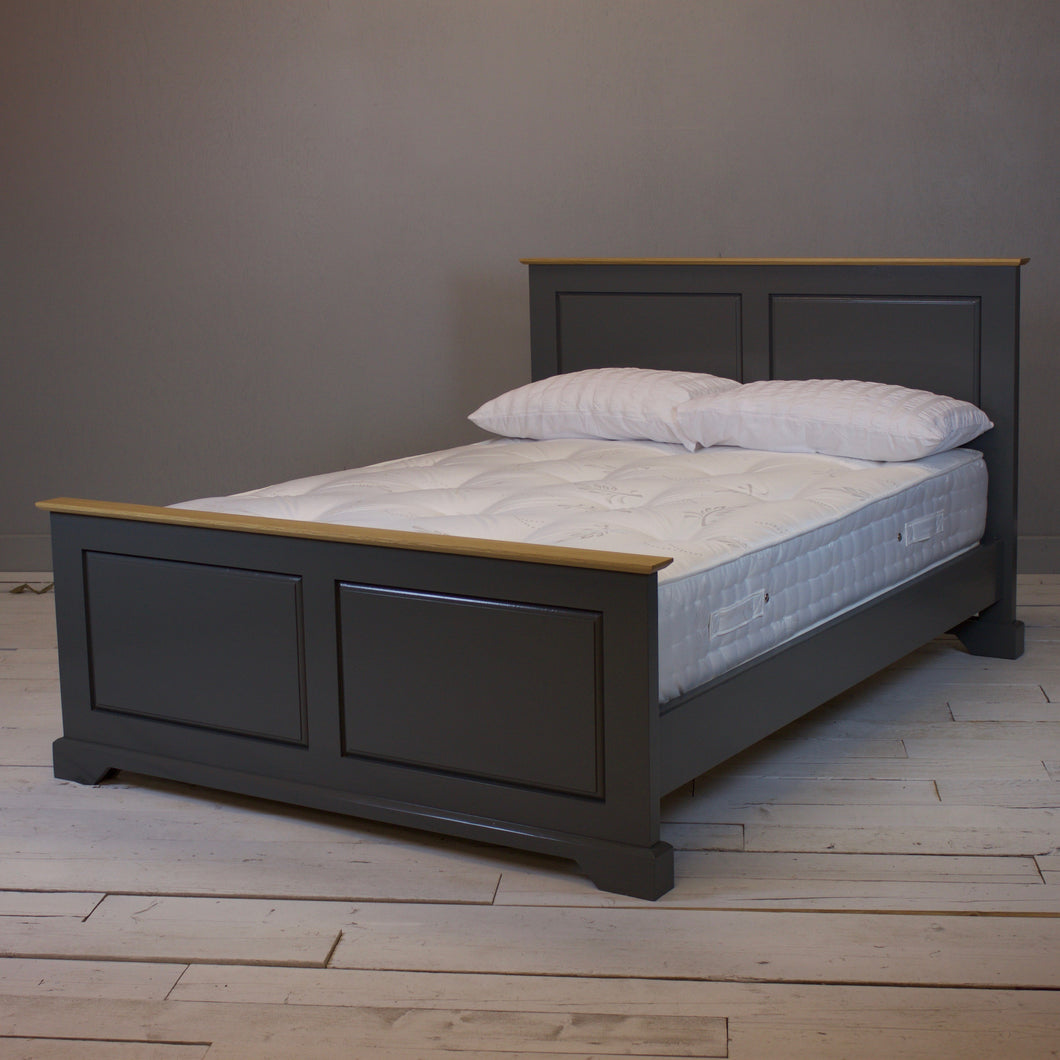Pindars Bed - Rich Grey