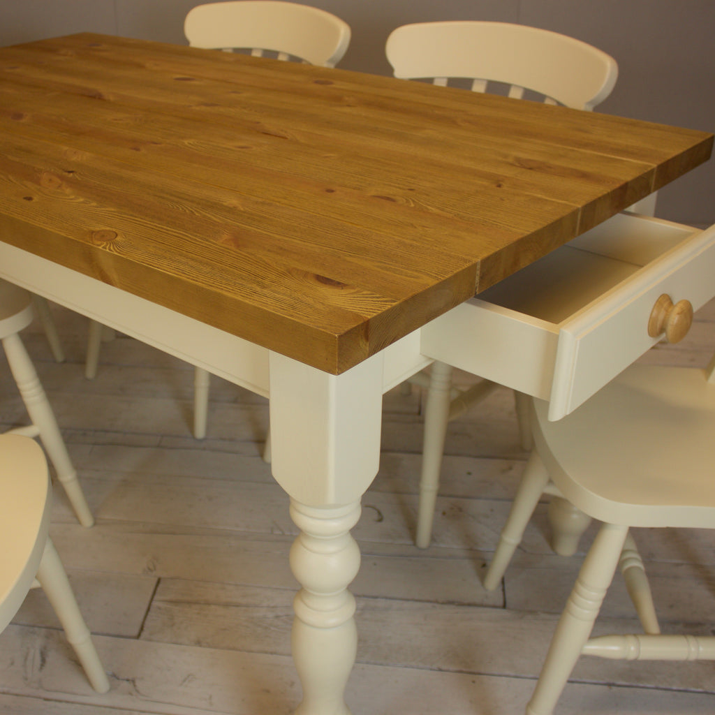 5' x 3' Rustic Plank Farmhouse Table with Six Chairs in Fawley Cream