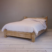 Stonor Bed - Low - Lime Wash