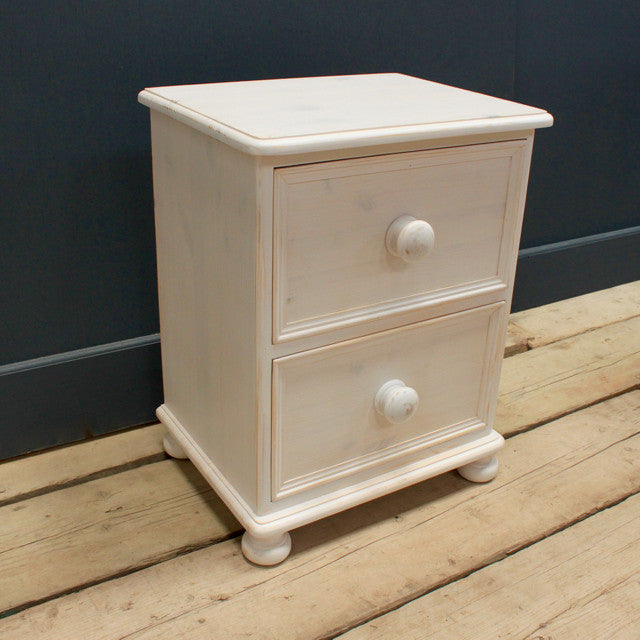 Victorian 3 Drawer Bedside Chest in Antique White