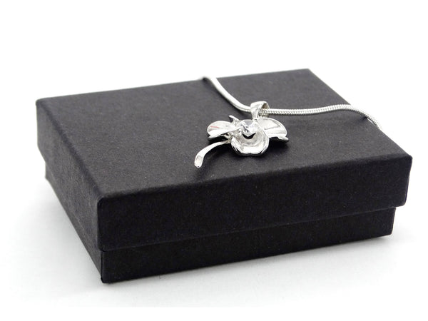 Silver flower white gem necklace GIFT BOX