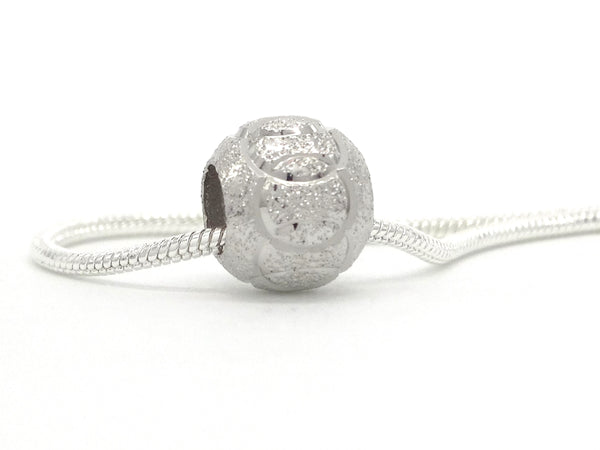 Linked circle silver ball necklace