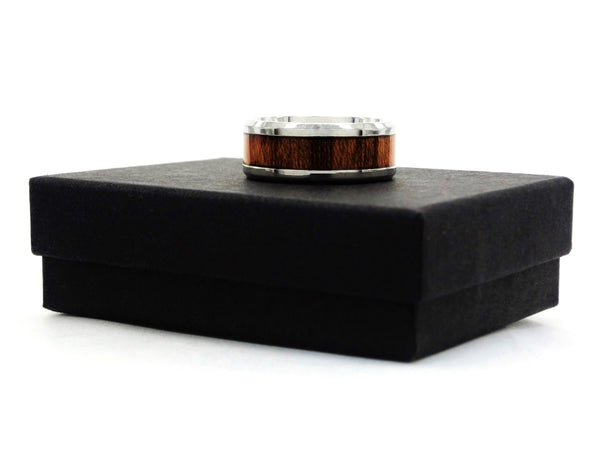 Stainless steel mahogany ring GIFT BOX