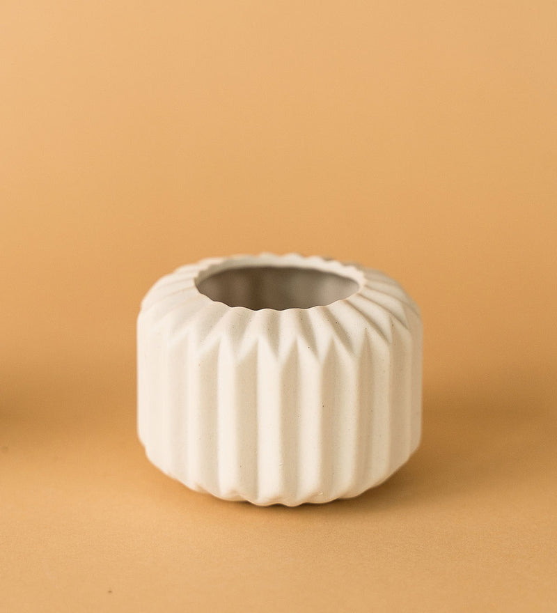 Geometric White Ceramic Pot D